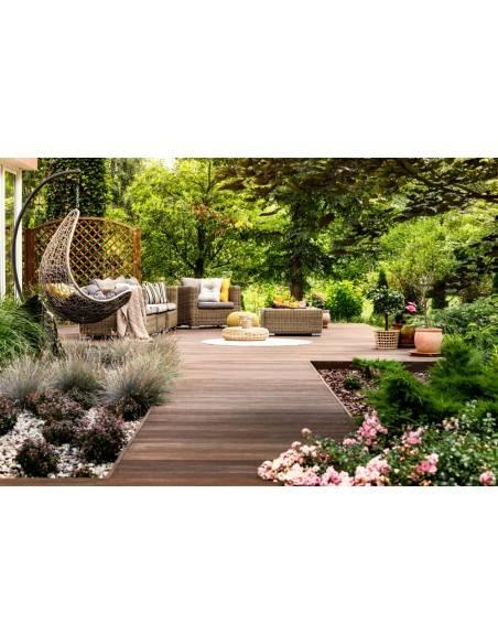 Traitement insecticide fongicide sur terrasse bois extérieur