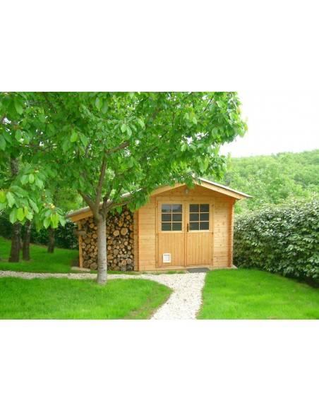Lasure bois 1919 BY MAULER chêne clair appliqué sur une cabane de jardin en bois