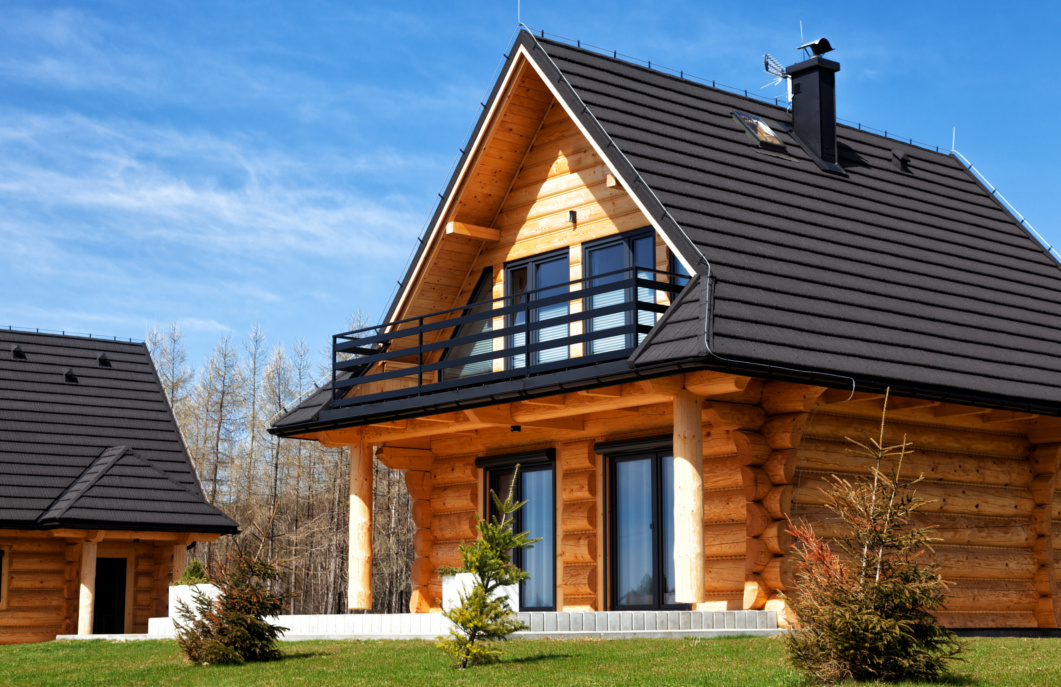 Maison lasuré avec pinceau lasure