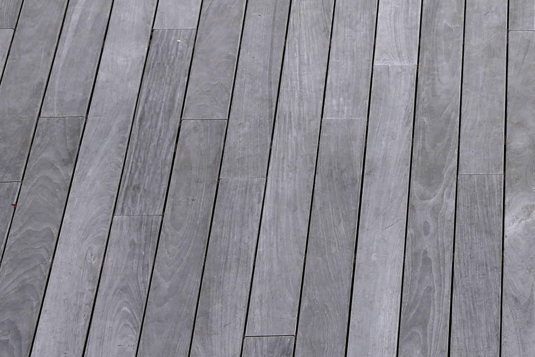 terrasse bois encrassée et grisée