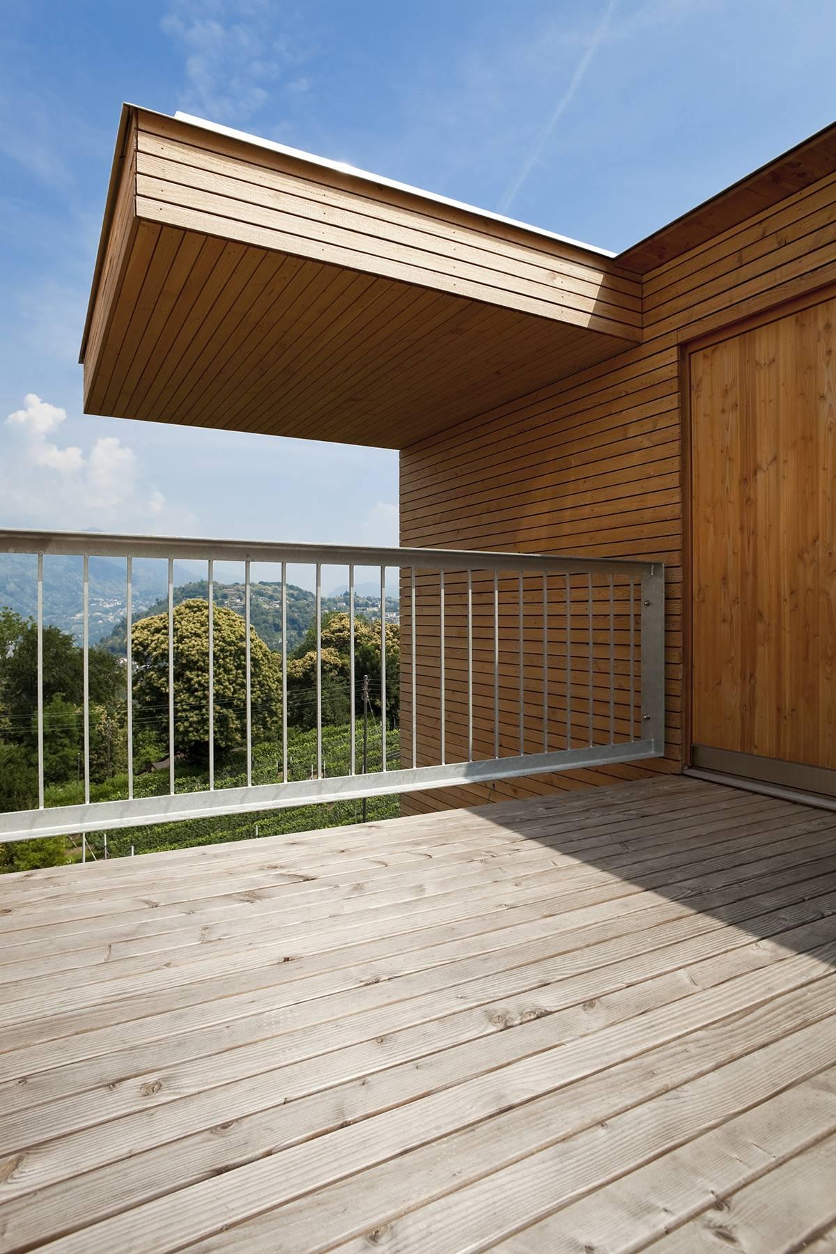 Saturateur bois extérieur, protection d'une terrasse et d'un bardage avec le saturateur bois le protecteur terrasse et bardage